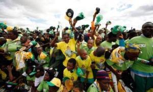 Para pendukung FP-UNAZ melaju paling depan dalam pemilu.