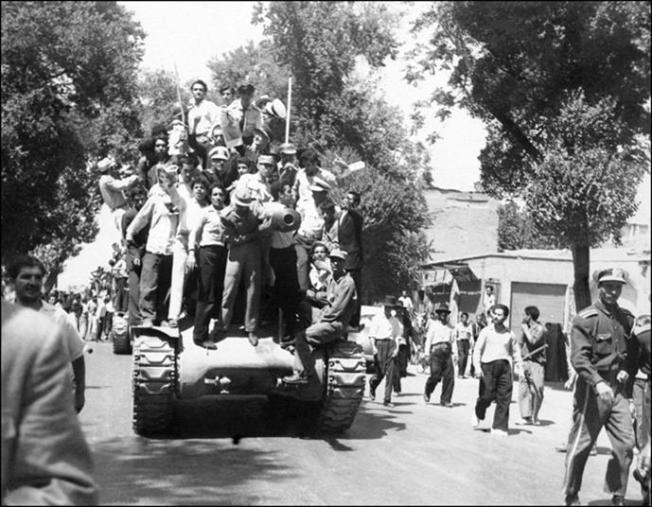 Para monarkis Iran, 27 Agustus 1953 (Foto AFP)