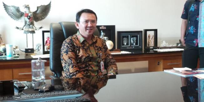 Kompas.com/Kurnia Sari Aziza Wakil Gubernur DKI Jakarta Basuki Tjahaja Purnama di ruang kerjanya di Balaikota Jakarta, Rabu (24/9/2014)