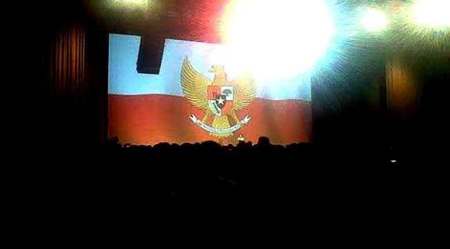 © Bendera terbalik (Liputan6.com) Bendera terbalik (Liputan6.com)