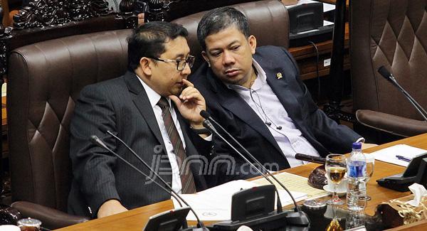 Wakil Ketua DPR Fadli Zon (kiri) dan Fahri Hamzah (kanan). Foto: dokumen JPNN