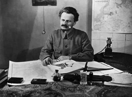 103a-Trotsky-Guililma-VT-01